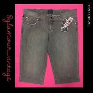 🆕 HOT TOPIC gray (XL) DENIM shorts